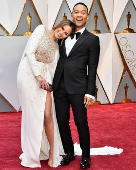 rs_1080x1350-170226160813-1080-chrissy-teigen-john-legend-oscars-instagram-kg-022617