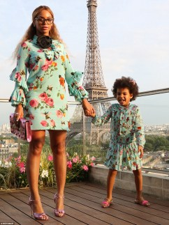 369BE47600000578-3709407-Peppy_in_Paris_Beyonce_and_her_spirited_daughter_Blue_Ivy_had_a_-a-7_1469560354990